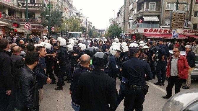 Bursa'da izinsiz gösteriye polis müdahalesi: 36 gözaltı
