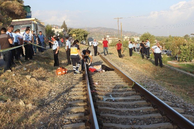 Trenin önüne yatan yaşlı şahıs feci şekilde hayatına son verdi