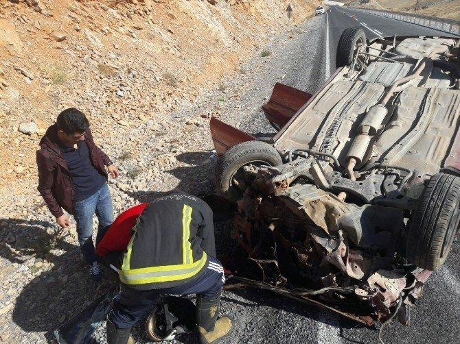 Malatya-Çelikhan yolunda kaza: 2 yaralı
