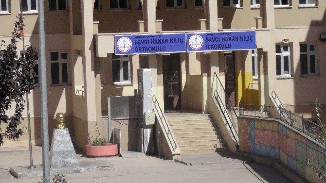 Sandviçten zehirlendiği iddia edilen öğrenci öldü