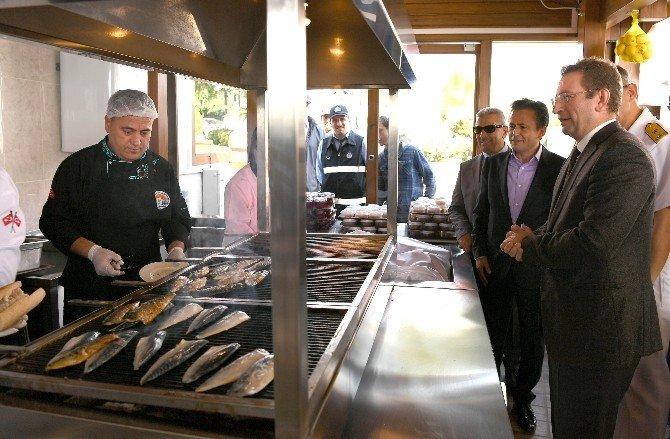 Balık-ekmek nostaljisi artık Tuzla'da