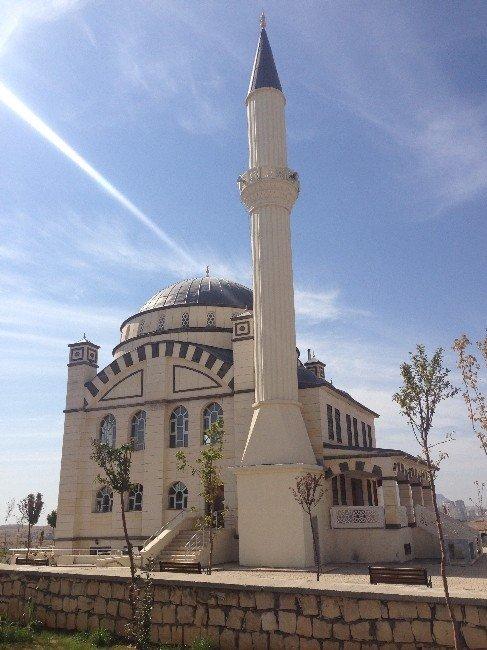 Mardin'de cami inşaatları sürüyor
