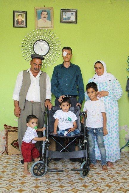 Silopili küçük Kerem tekerlekli sandalyesine kavuştu