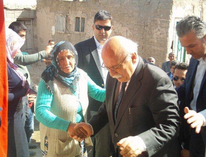 Bakan Avcı'dan PKK'nın öldürdüğü İlçe Başkanı Muştu'nun ailesine ziyaret