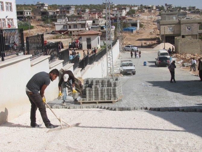 Elif'e 25 Bin Metrekare Kilitli Parke Taşı
