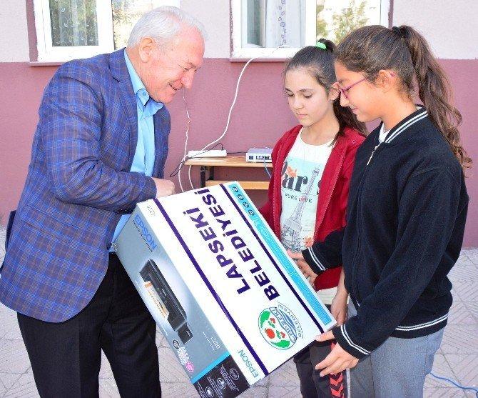 Lapseki'de ilköğretim öğrencileri atık pil toplamak için yarıştı