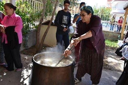 Hacı Bektaş-ı Veli Kültür Merkezi Vakfında aşure etkinliği