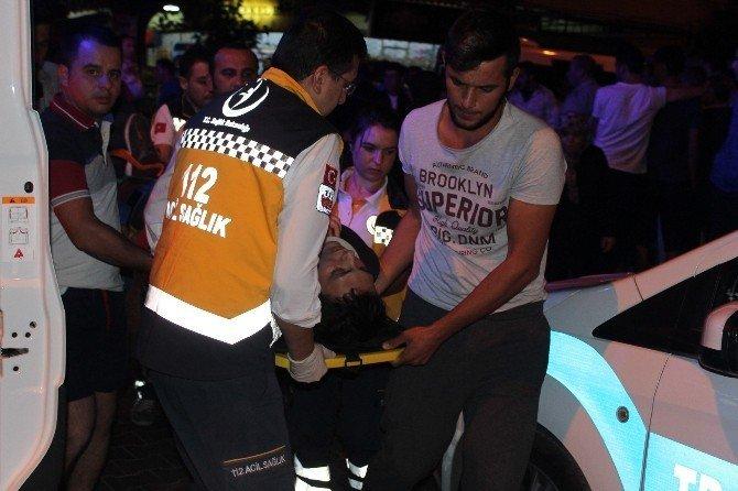 Nazilli'de minibüs motosikletle çarpıştı: 2 yaralı