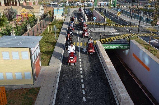 Çocuk Trafik Eğitim Parkı eğitimlerine başladı