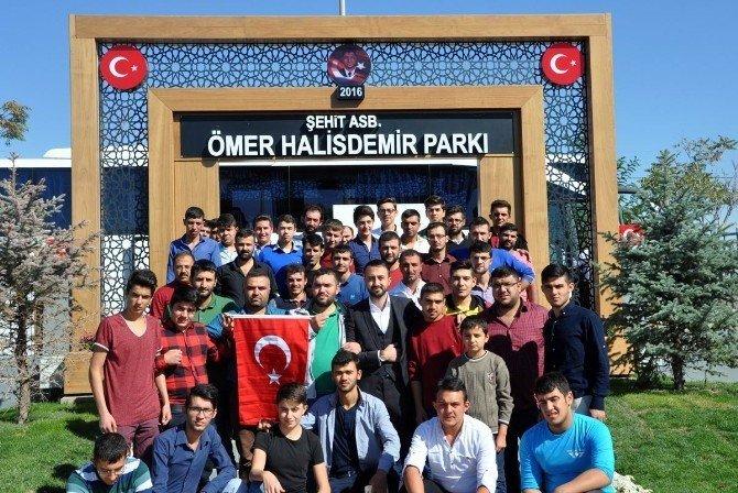 Selçuklu Belediyesi bin kişiyi Şehit Ömer Halisdemir'in kabrine götürüyor
