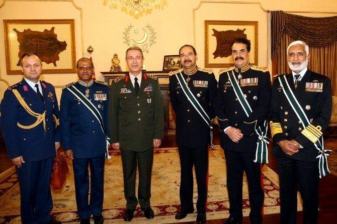 Genelkurmay Başkanı Akar, Pakistan'da