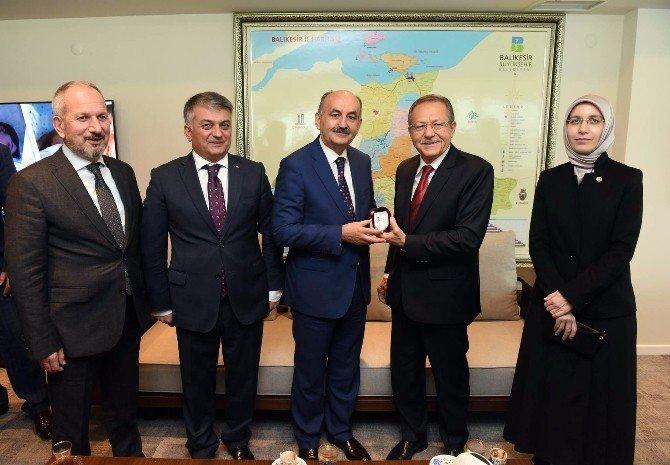 Bakan Müezzinoğlu, Balıkesir'de projeleri inceledi