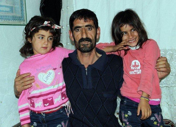 Eşi ve iki çocuğu engelli olan babanın tek isteği ailesi için bir ev