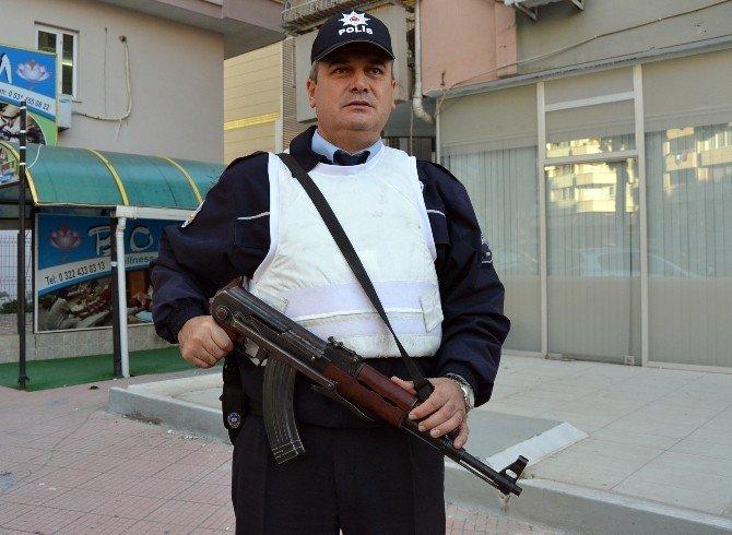 Adana'da masaj salonlarına 200 polisle uygulama