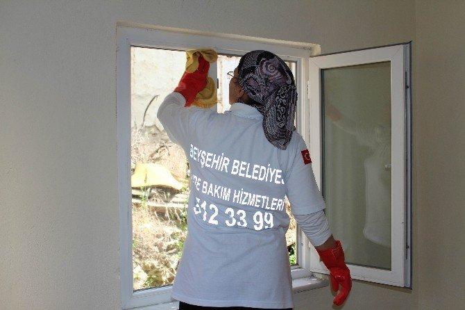 Beyşehir'de evde bakım hizmeti yüz güldürüyor
