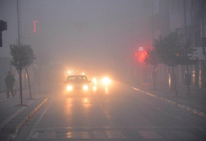 Balıkesir'de yoğun sis hayatı olumsuz etkiledi