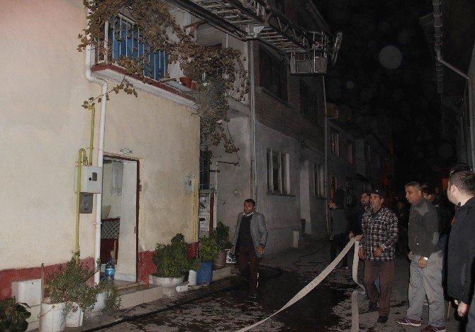 Osmaneli'de ev yangını
