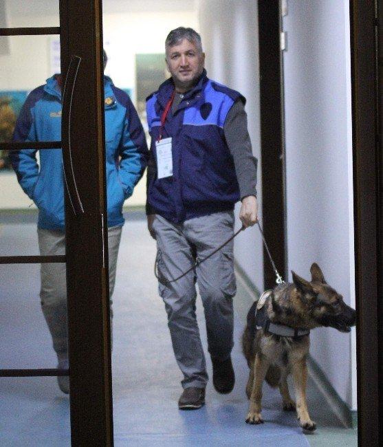 Fenerbahçe'nin soyunma odasında bomba araması