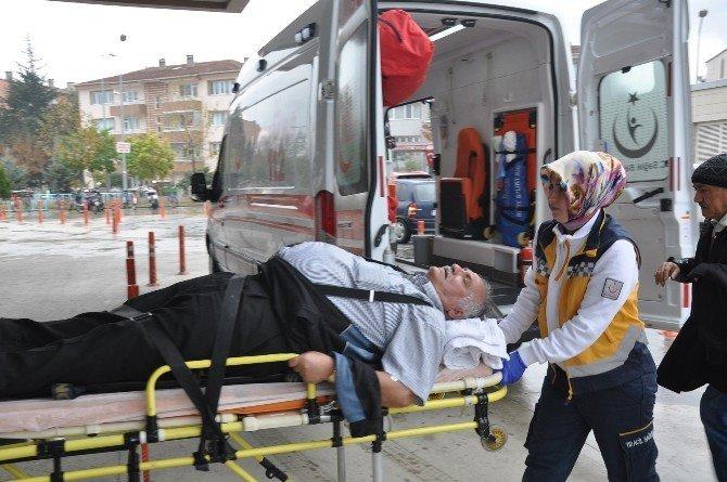 Cenaze yolunda kaza: 4 yaralı
