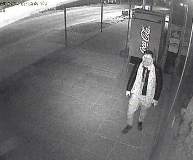 Market hırsızı güvenlik kamerasına yakalandı
