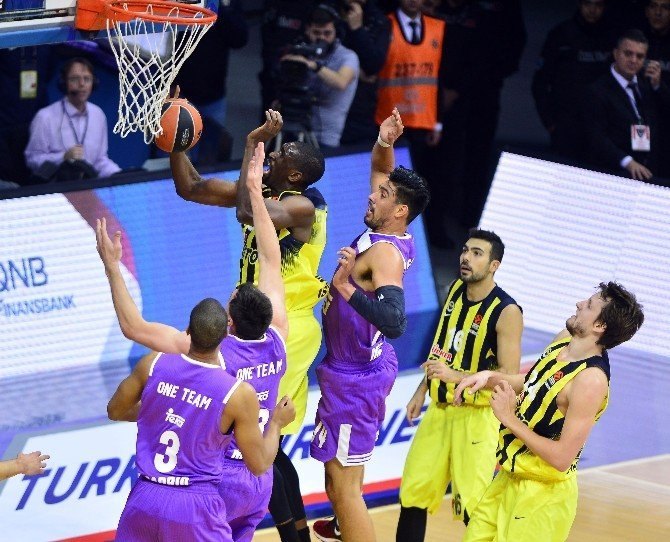 Fenerbahçe Real Madrid'i de çarptı