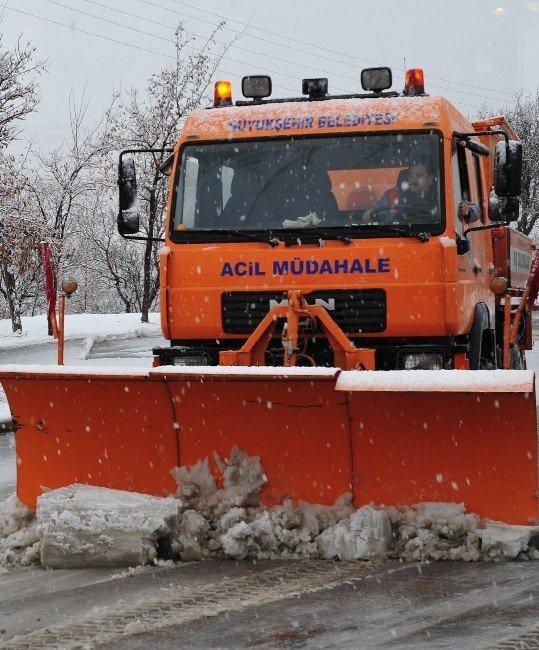 Konya Büyükşehir, kar ve buzlanmaya karşı hazır