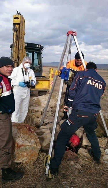 Afyonkarahisar'da su kuyusunda 2 kişinin cesedi bulundu