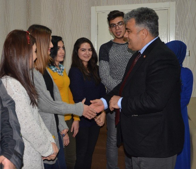 Başkan Özgüven gençlerle buluştu