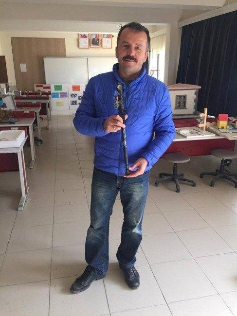 Fizik öğretmeni, 'Yarasa Baston' projesini geliştirdi