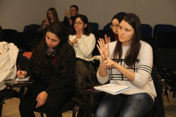 Odunpazarı'nda işaret dili kursları devam ediyor