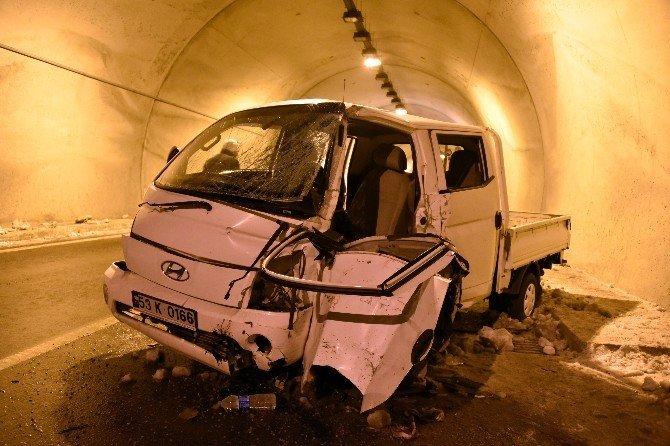 Gizli buzlanma kazaya sebep oldu: 2 yaralı