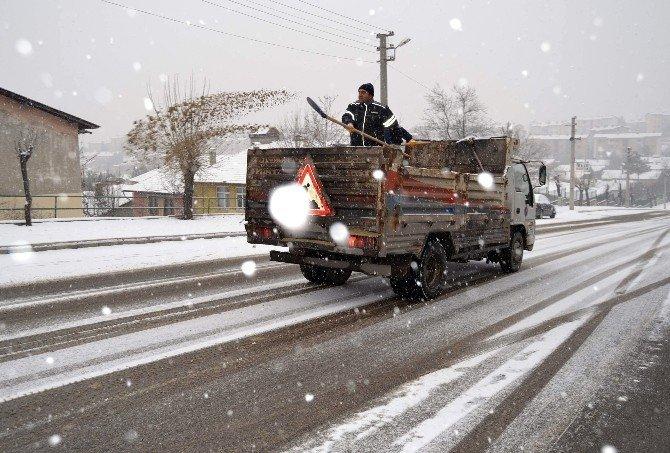 Karabük'te kar mücadelesi