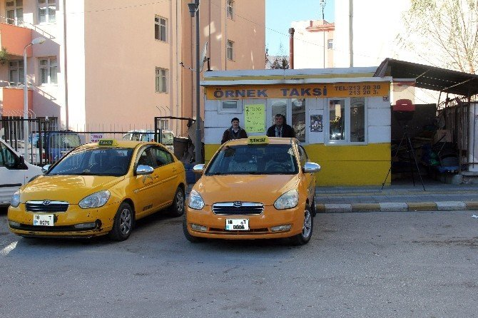 Dolar bozdurana ücretsiz taksi hizmeti
