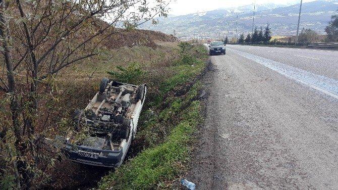 Minibüs şarampole yuvarlandı: 1 yaralı