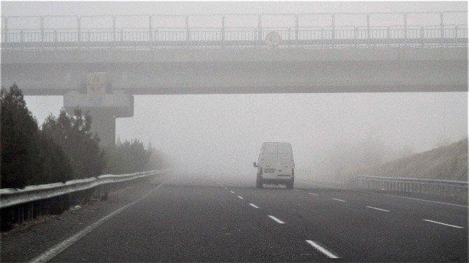 Şanlıurfa'da yoğun sis hayatı olumsuz etkiledi