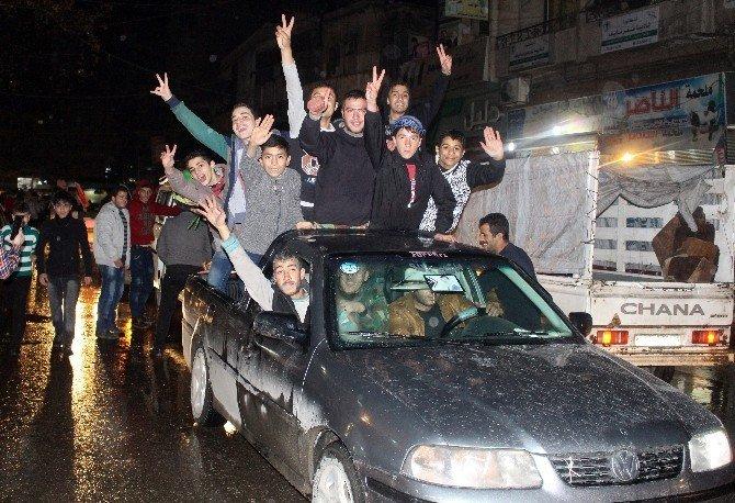 Halep'te rejim yanlıları katliamı kutladı