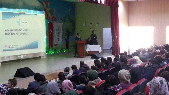 Bitlis'te öğrencilere meslek tanıtımı yapıldı