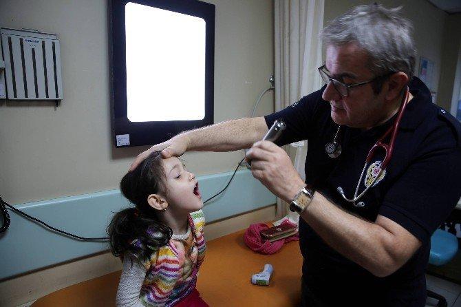 """""""Doktor polis""""lerden sağlık taraması"""