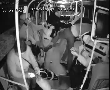 Antalya'da otobüs şoförüne tekmeli tokatlı saldırı