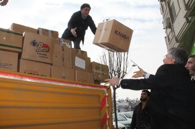 Elazığ'dan Halep'e 1 kamyon ilaç yardımı