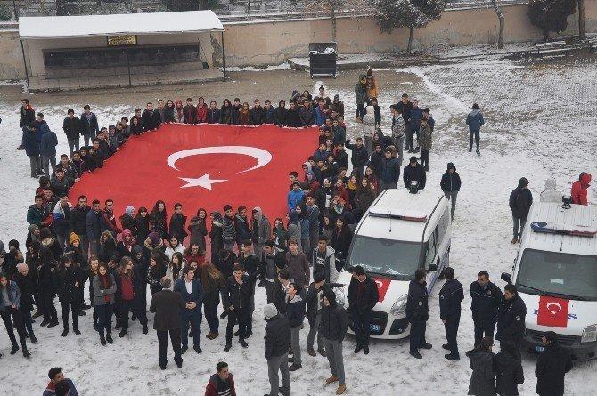 Lise öğrencilerinden asılsız ihbar ile okula çağırdıkları polise müthiş sürpriz