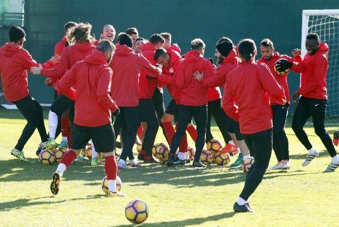Antalyaspor, Bursaspor maçı hazırlıklarını sürüdürüyor