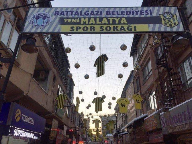 Battalgazi Belediyesi'nden 'Yeni Malatyaspor Sokağı' uygulaması