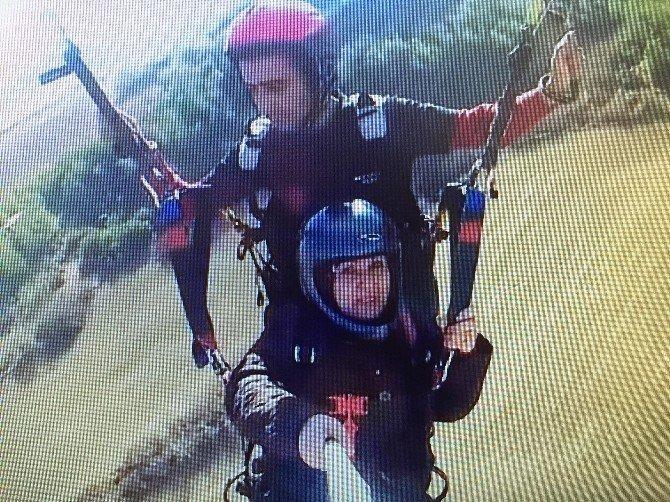 66 yaşında yamaç paraşütü yaptı