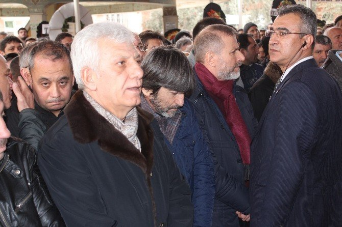 Rıdvan Dilmen'in annesi toprağa verildi