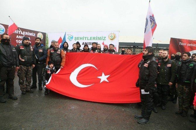 Motosiklet tutkunları Şehitler Tepesi'nde terörü protesto etti