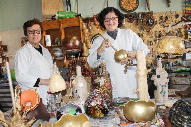 Atıl ahşaplar kadınların eliyle sanata dönüşüyor