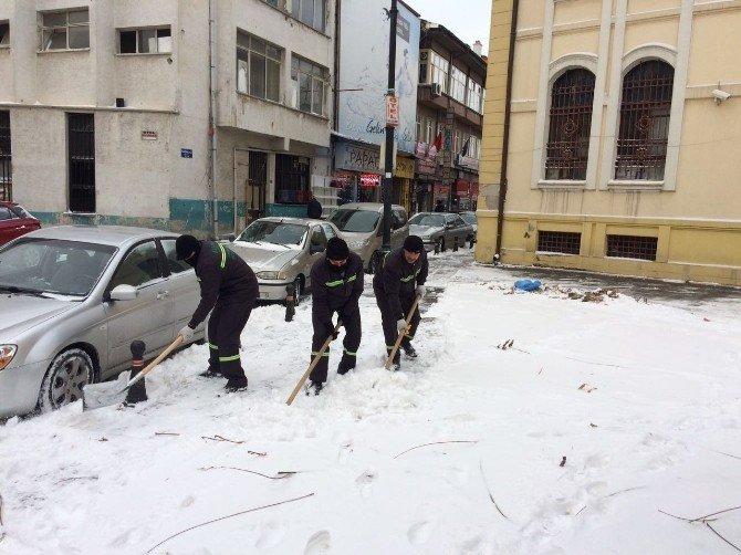 Meram'da 49 ekip kesintisiz iş başında