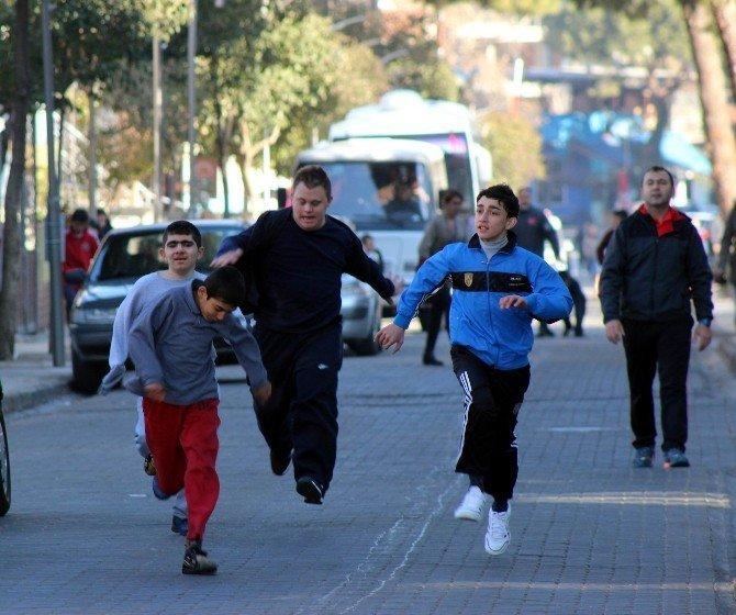 Özel öğrenciler de Atatürk için koştu