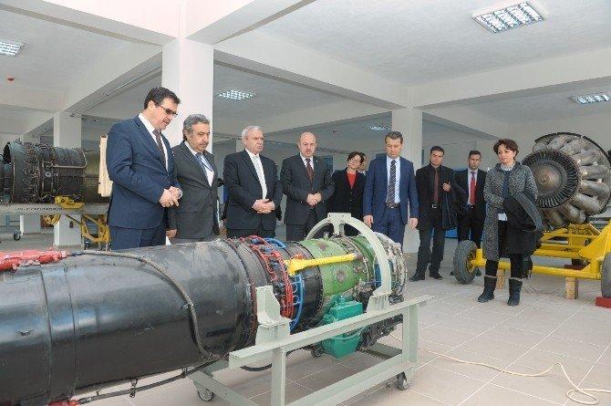 Vali Çelik, Sabiha Gökçen Mesleki Ve Anadolu Teknik Lisesi'ni ziyaret etti